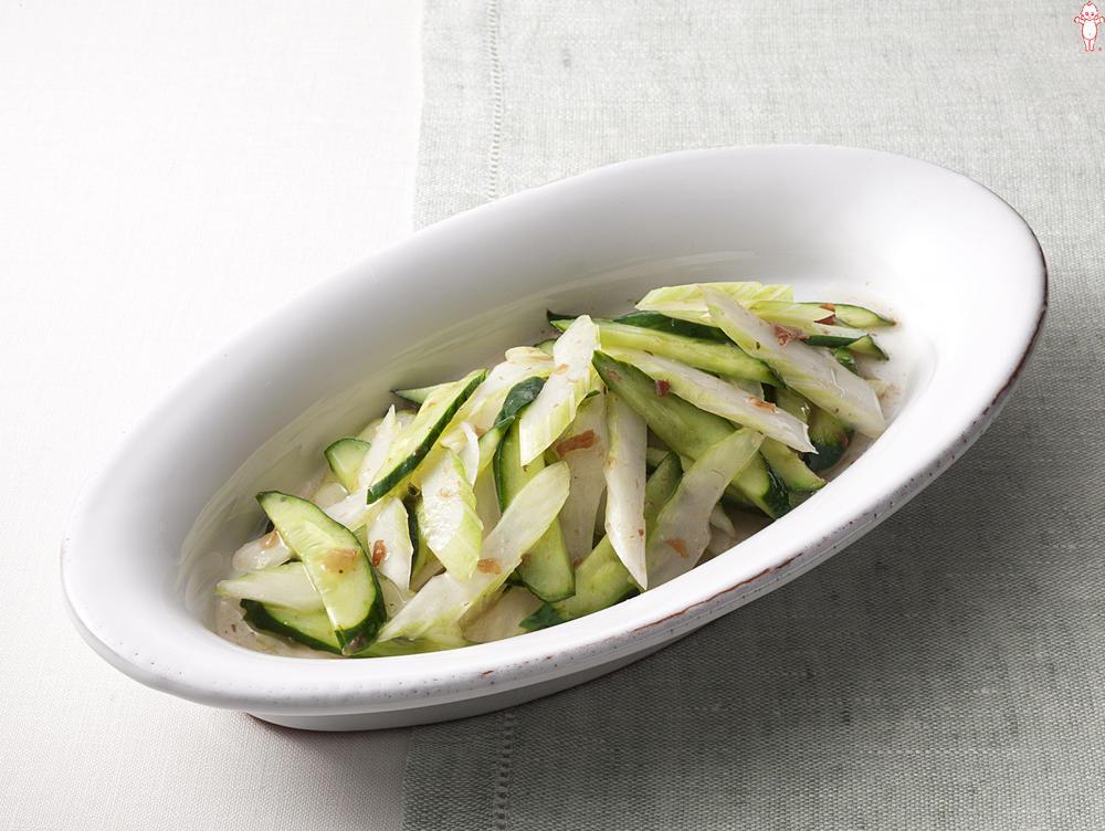 写真:セロリときゅうりの梅風味サラダ