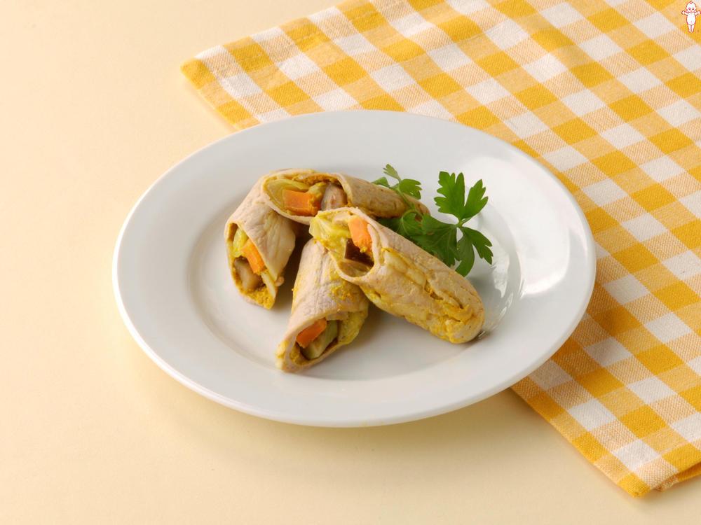 写真:レンジでかんたん!なすとにんじんのカレー風味肉巻きサラダ