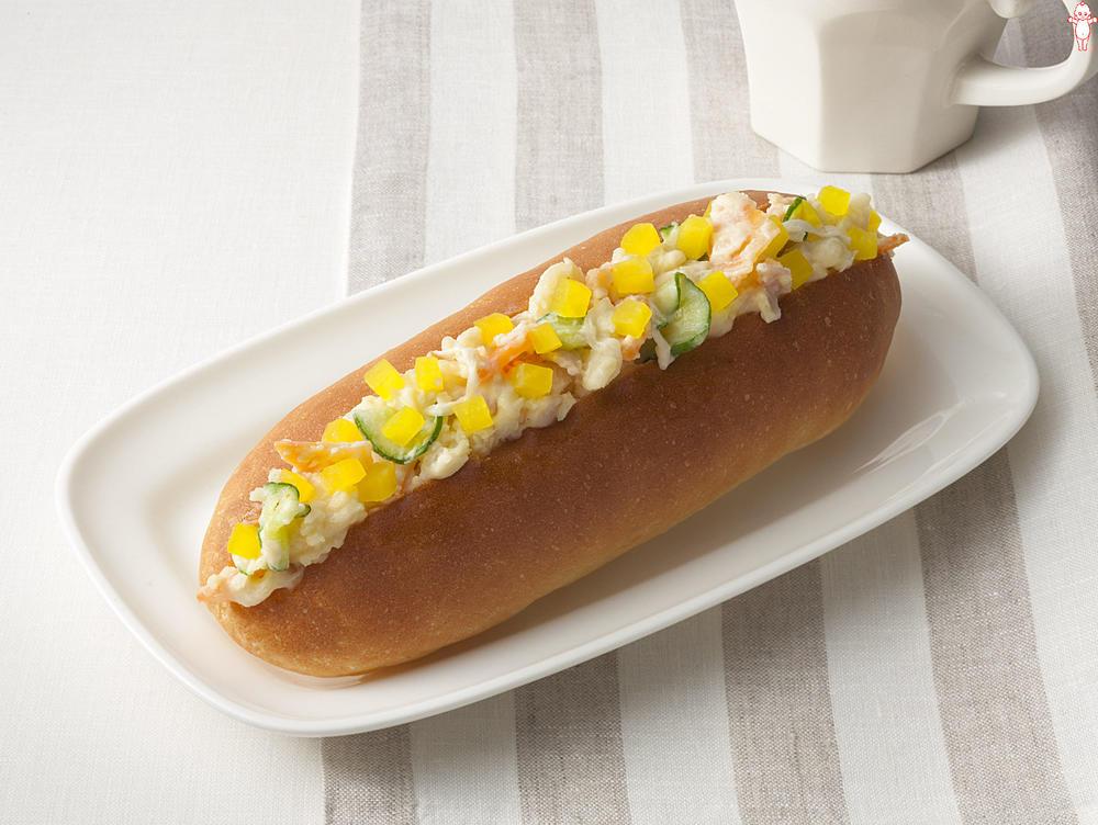 写真:ポテトサラダが大活躍!サラダコッペパン