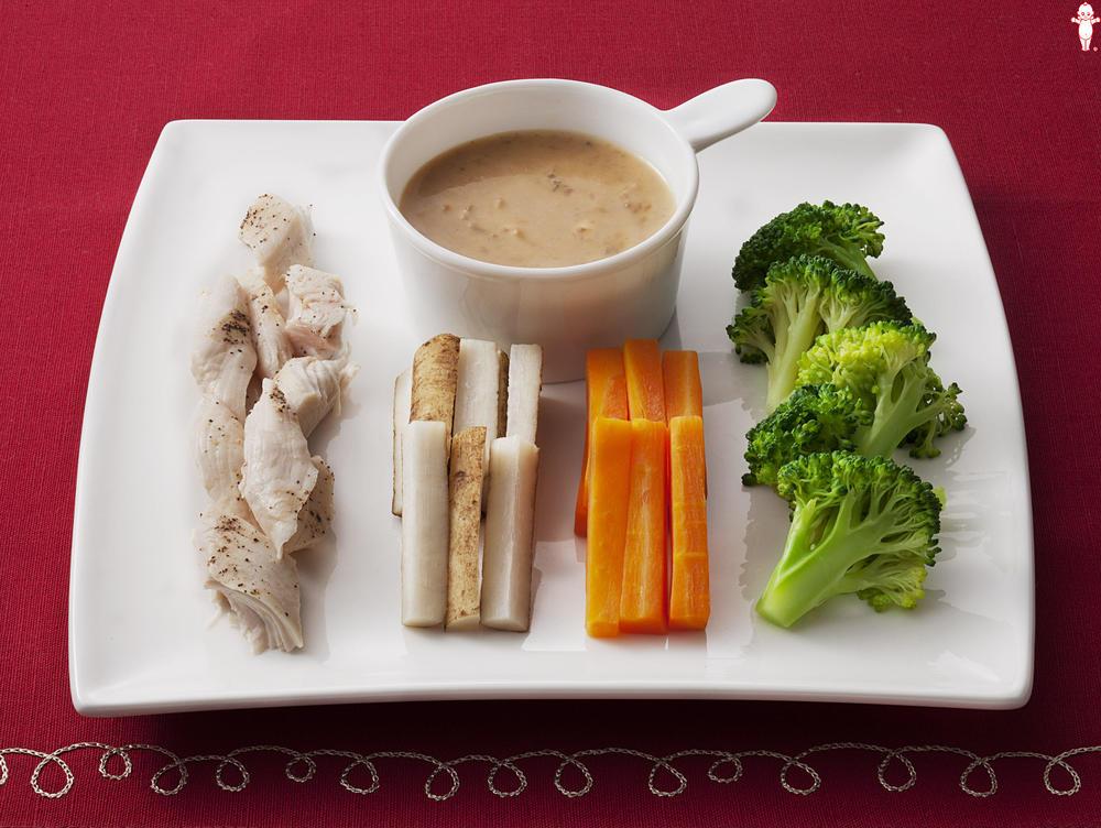 写真:冬野菜のバーニャカウダ風ごまサラダ