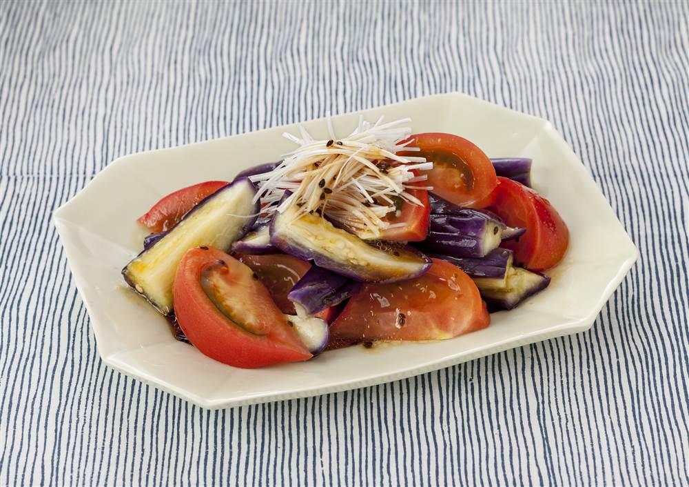 写真:トマトとなすの和風サラダ