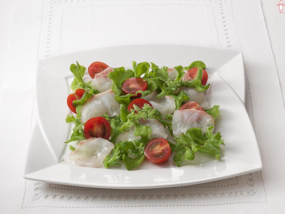 写真:アイスプラントと鯛のサラダ