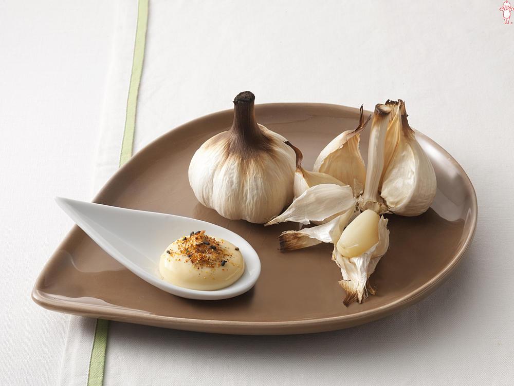 写真:グリルにんにくの七味マヨディップ