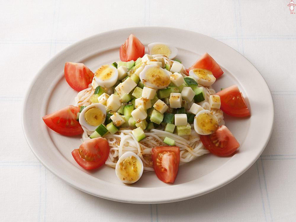 写真:コロコロ野菜とうずら卵のサラダひやむぎ