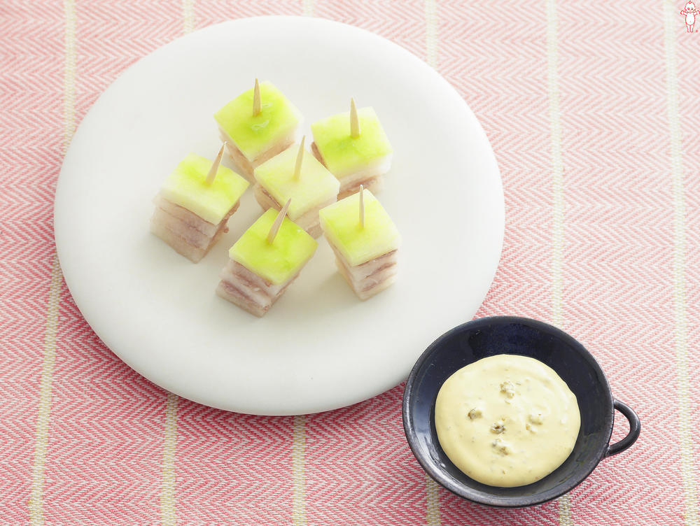 写真:冬瓜と豚ばら肉のミルフィーユ ゆずこしょうマヨディップ
