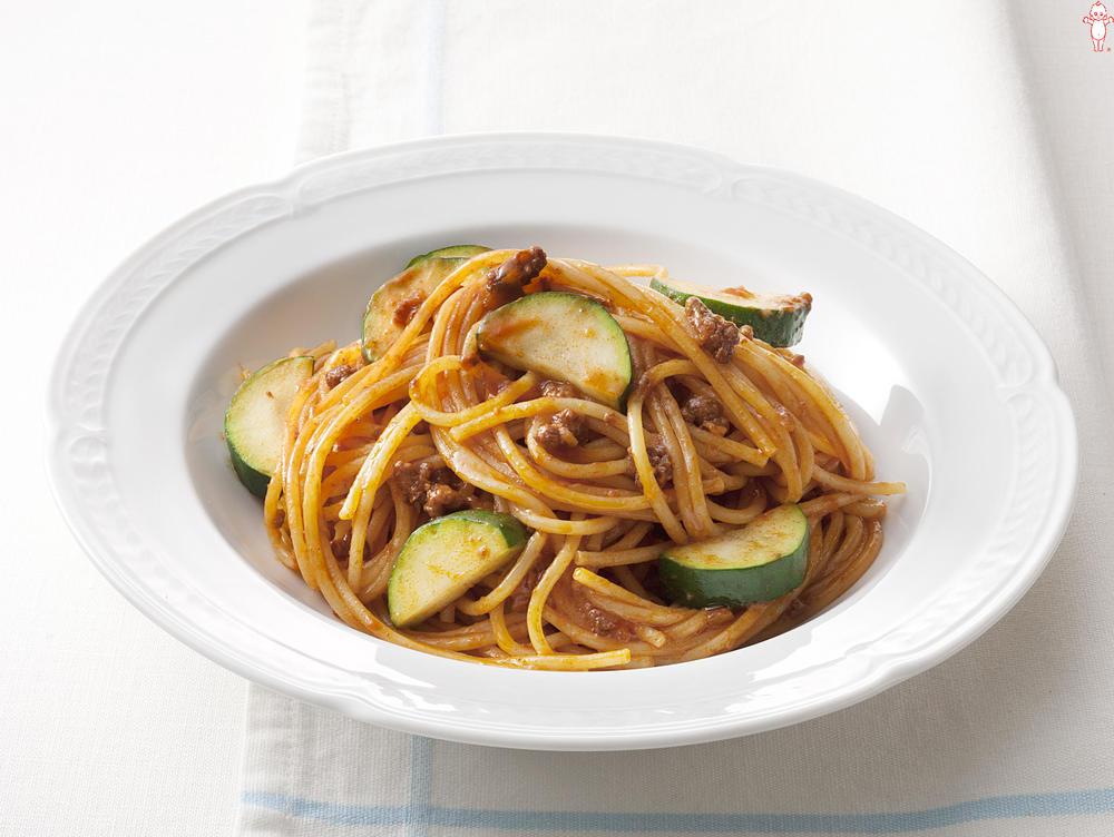 写真:ズッキーニのミートソーススパゲッティ