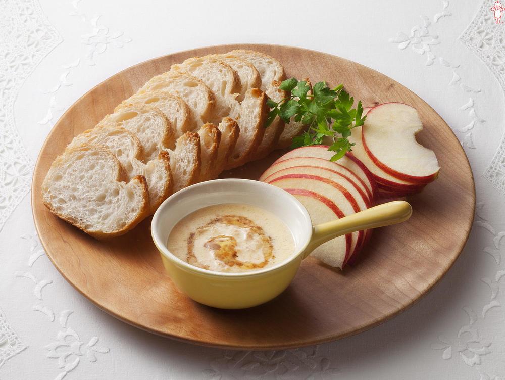 写真:りんごとパンのツナマヨハニーディップ