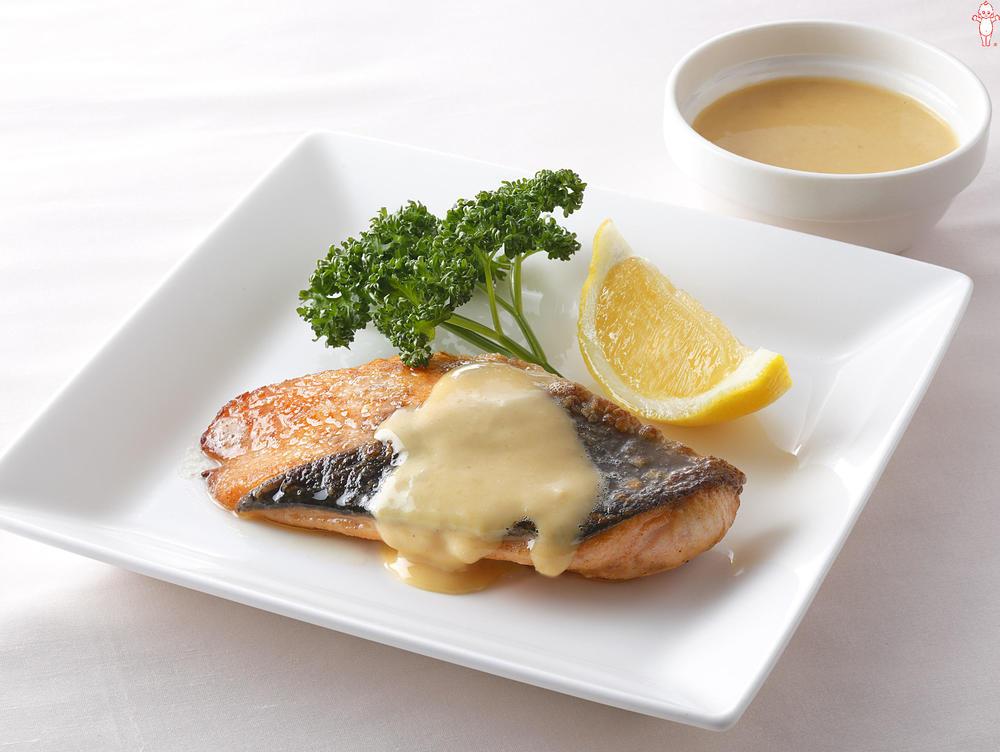 写真:鮭のソテー みそマヨソース
