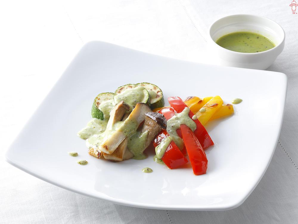 写真:彩り野菜のグリル バジルマスタードソース