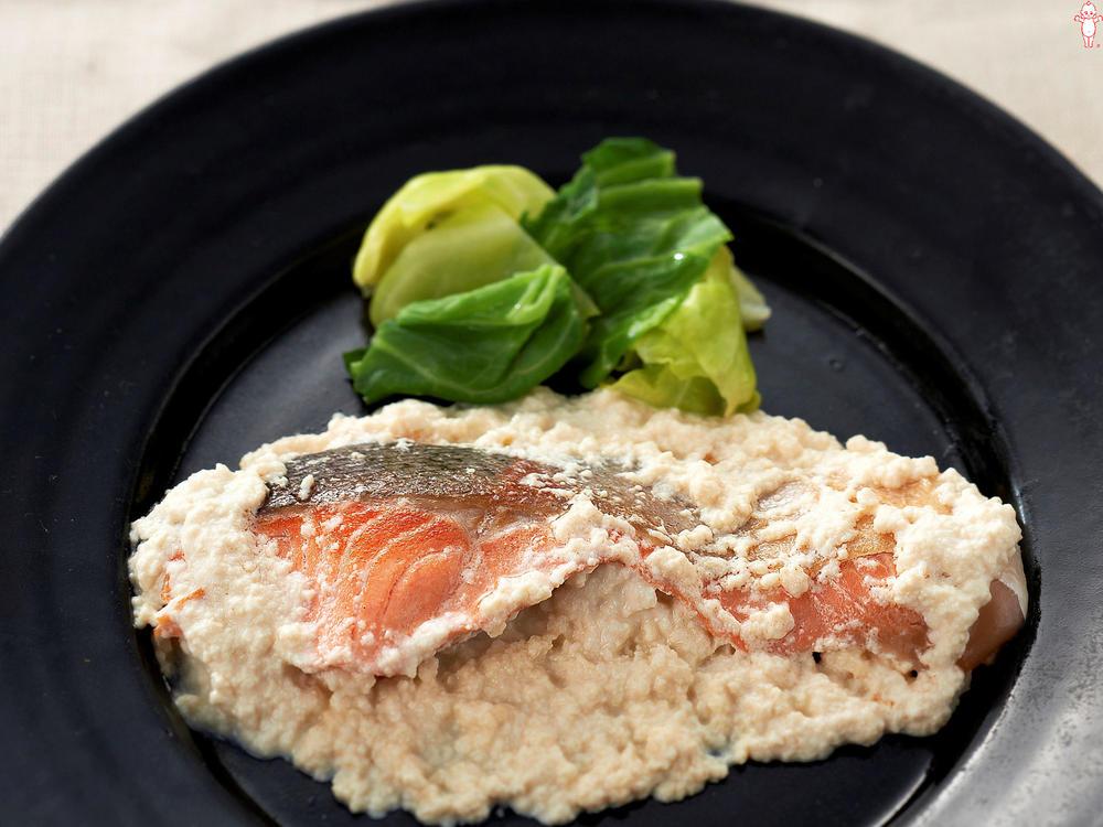 写真:鮭のソテー ふわふわ豆腐マヨソース