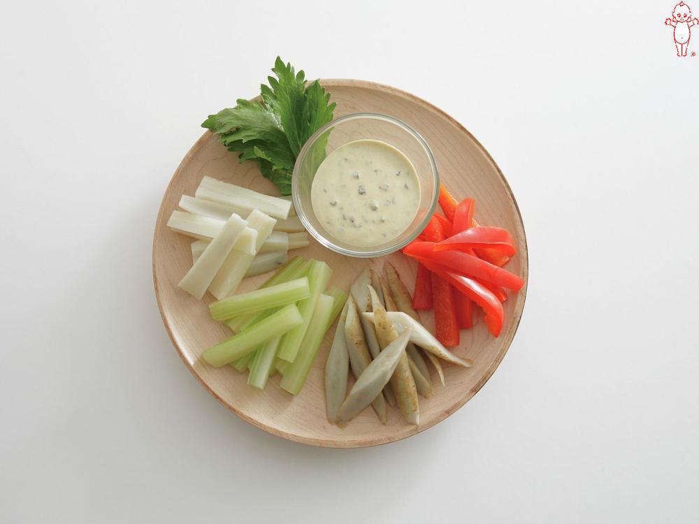 写真:根菜のバーニャカウダ風