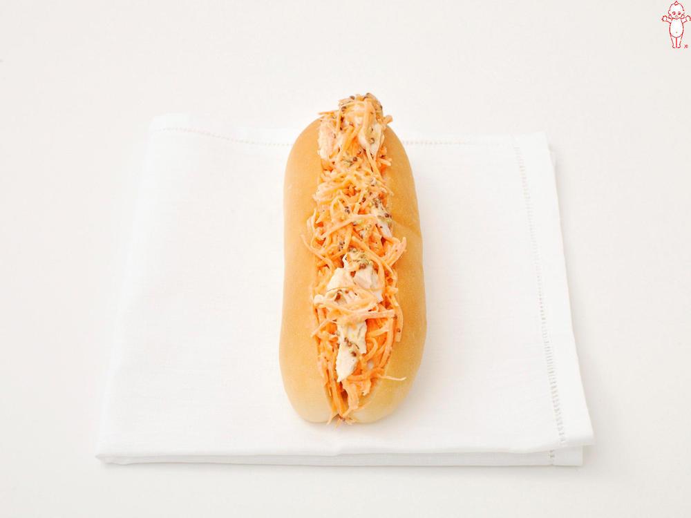 写真:にんじんと鶏ささみの粒マスタードサンド