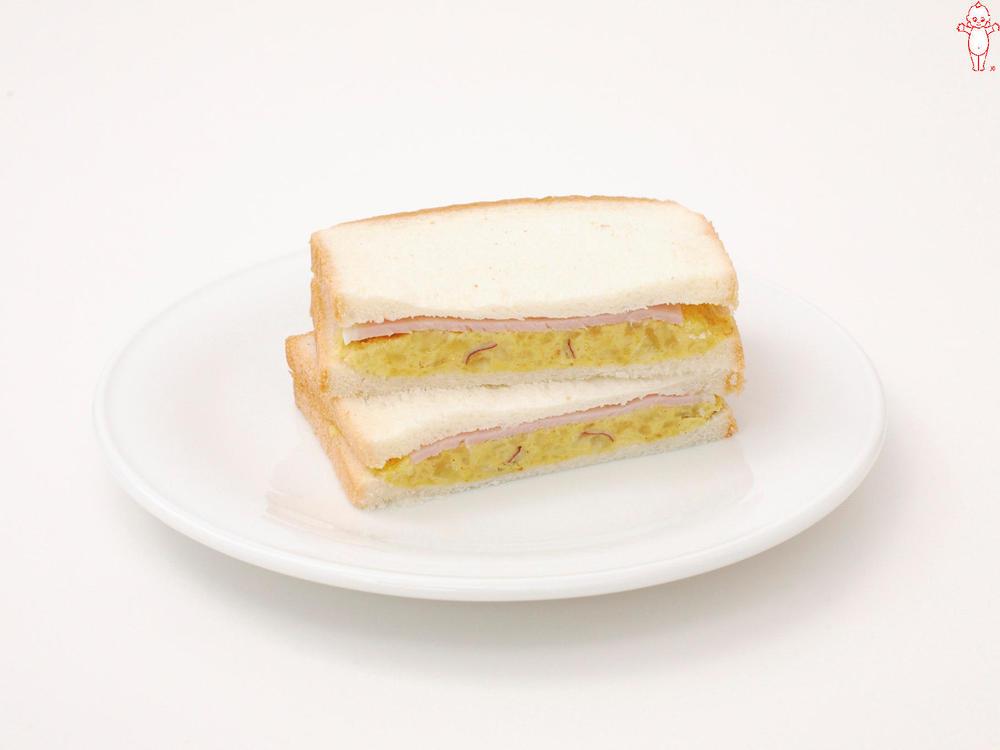写真:さつまいものピュレとハムのサンドイッチ