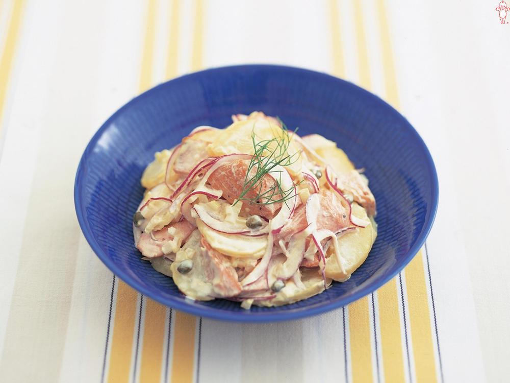 写真:焼き鮭とポテトのサラダ