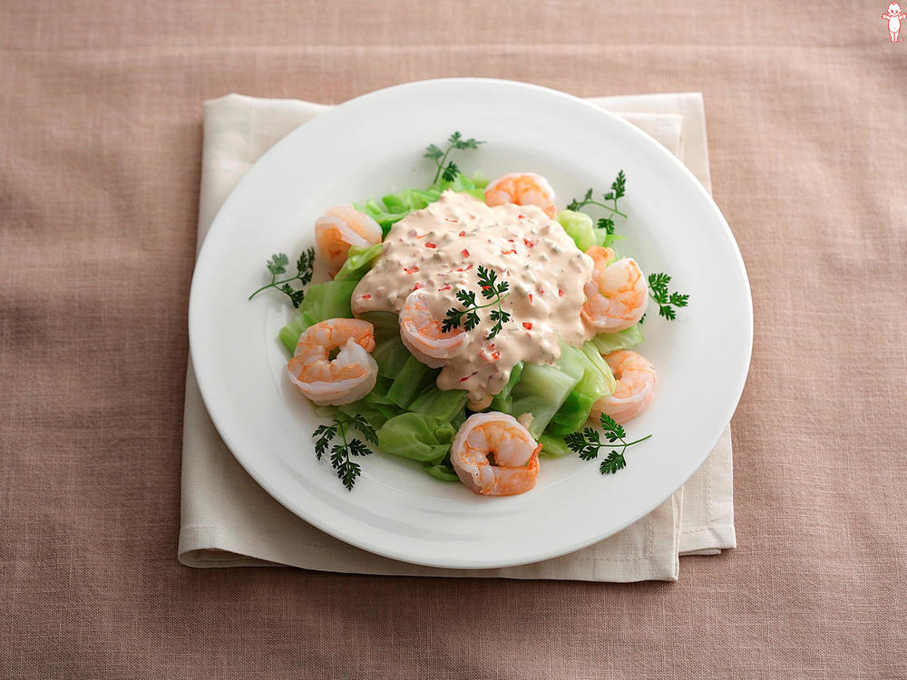 写真:キャベツとえびの彩りサラダ