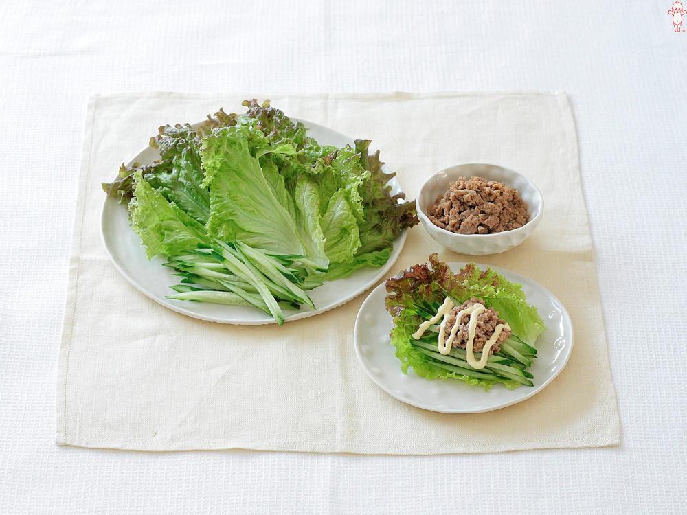 写真:レタスの肉みそ手巻きサラダ