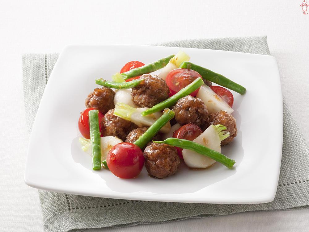 写真:肉だんごとかぶのあえサラダ