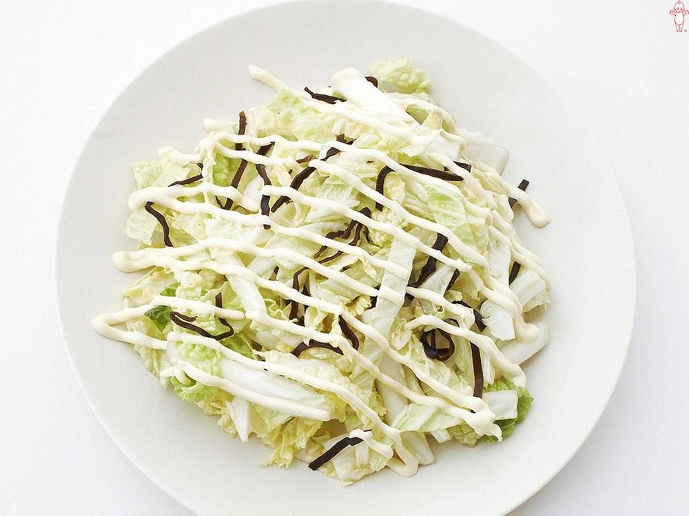 写真:白菜と塩昆布のサラダ