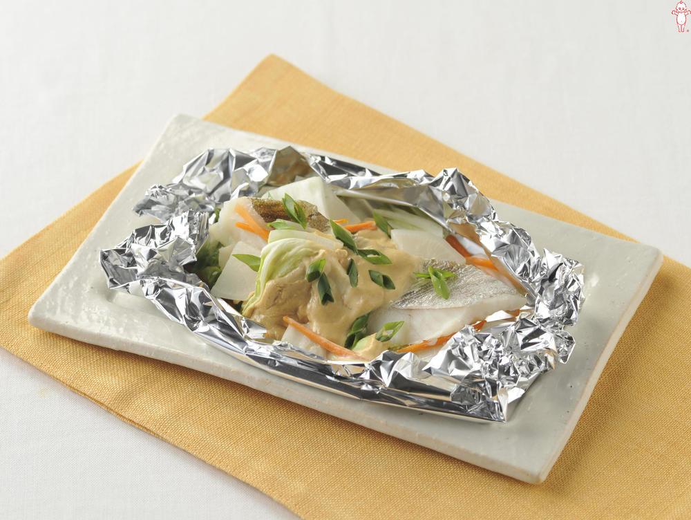 写真:オーブントースターでかんたん!たらと白菜のホイル包み焼き