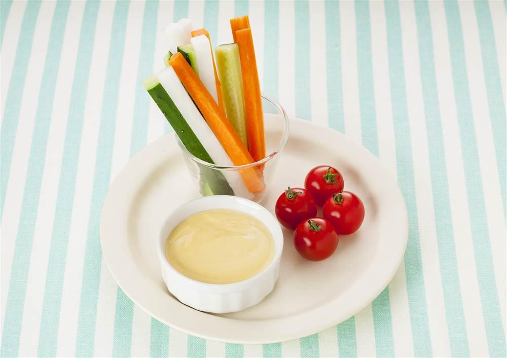 写真:カラフル野菜のコーンマヨディップ