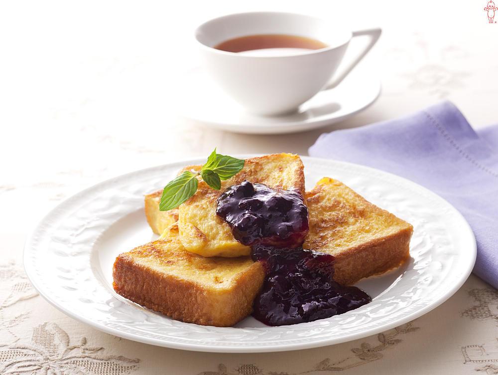 写真:ブルーベリーのフレンチトースト