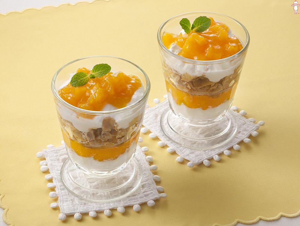 写真:マンゴーのヨーグルトパフェ