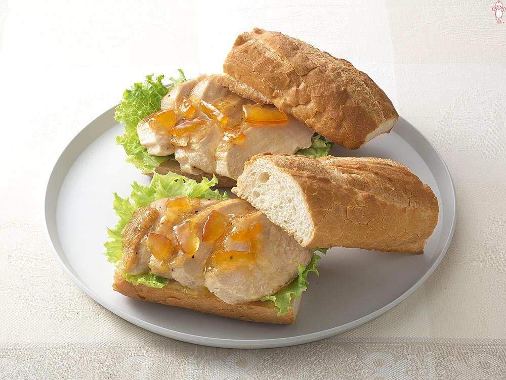 写真:ローストブレストのビターママレードサンドイッチ
