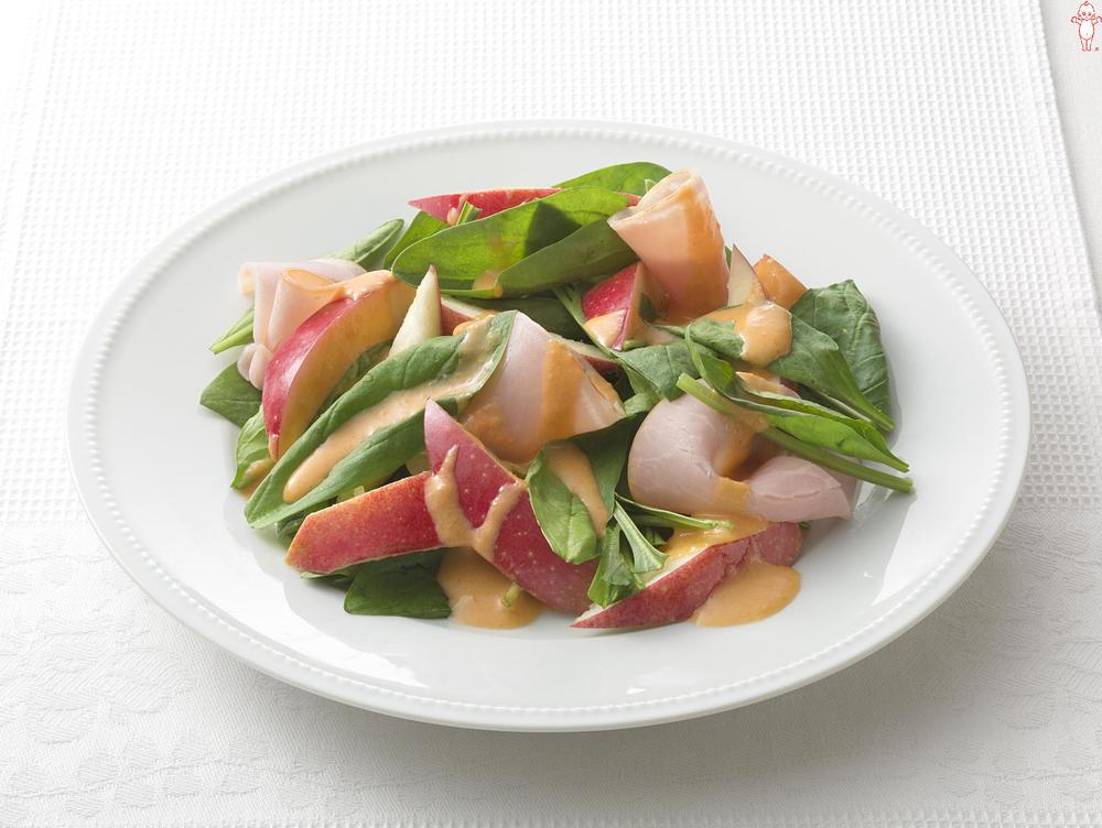 写真:サラダほうれん草とりんごのサラダ