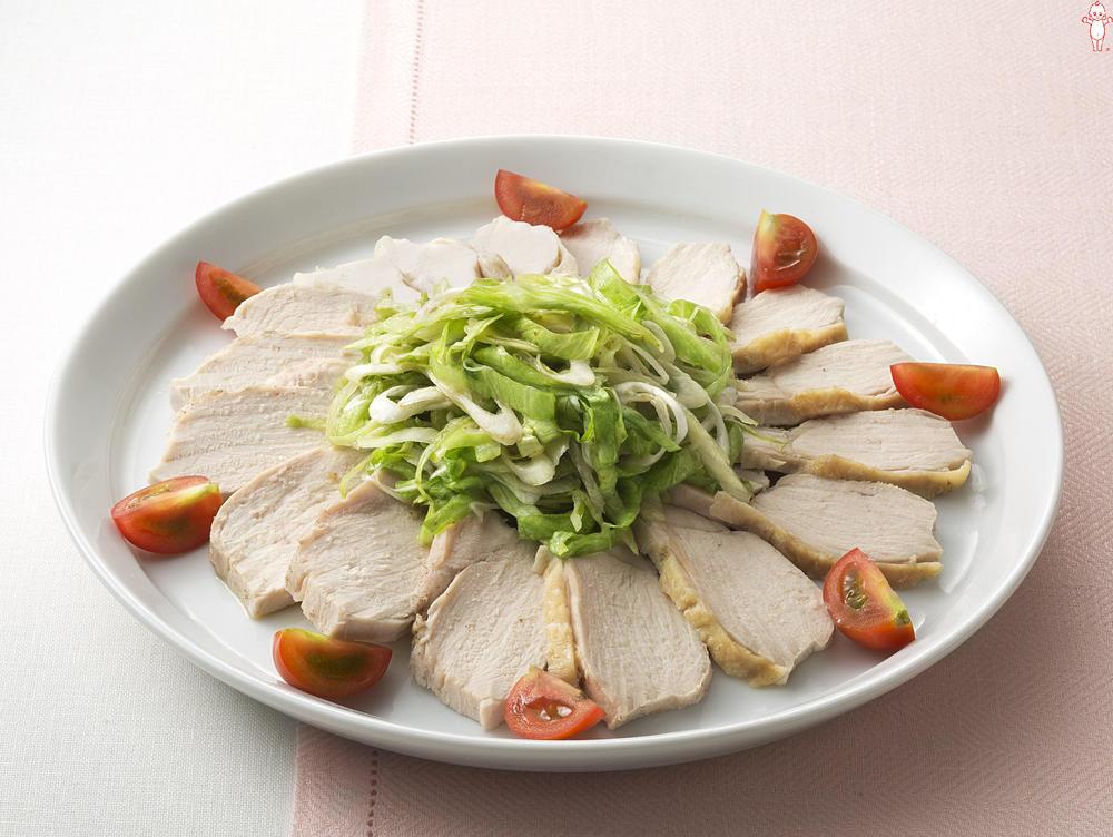 写真:シャキシャキレタスと蒸し鶏のオードブルサラダ
