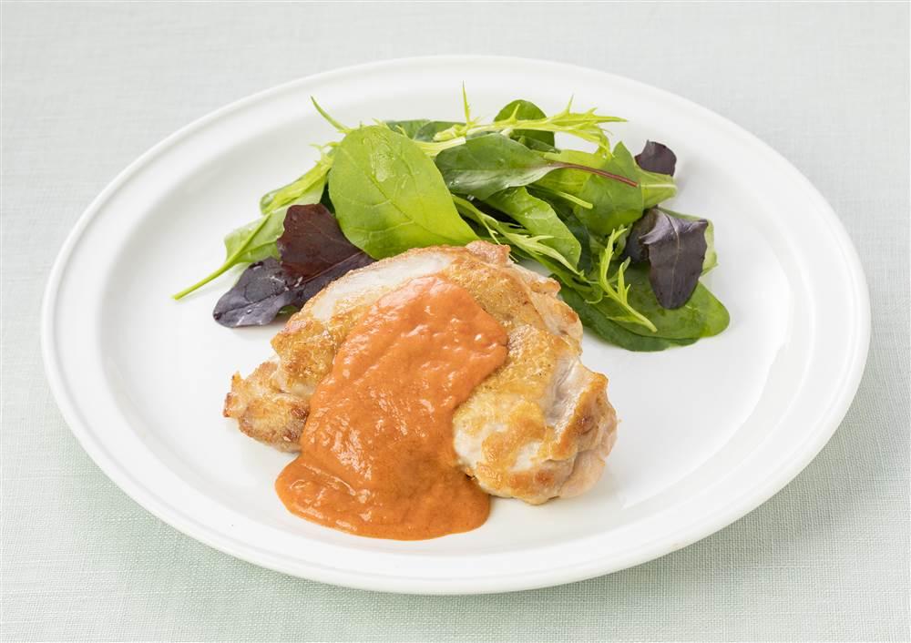 写真:チキンソテー カニのトマトクリームソース