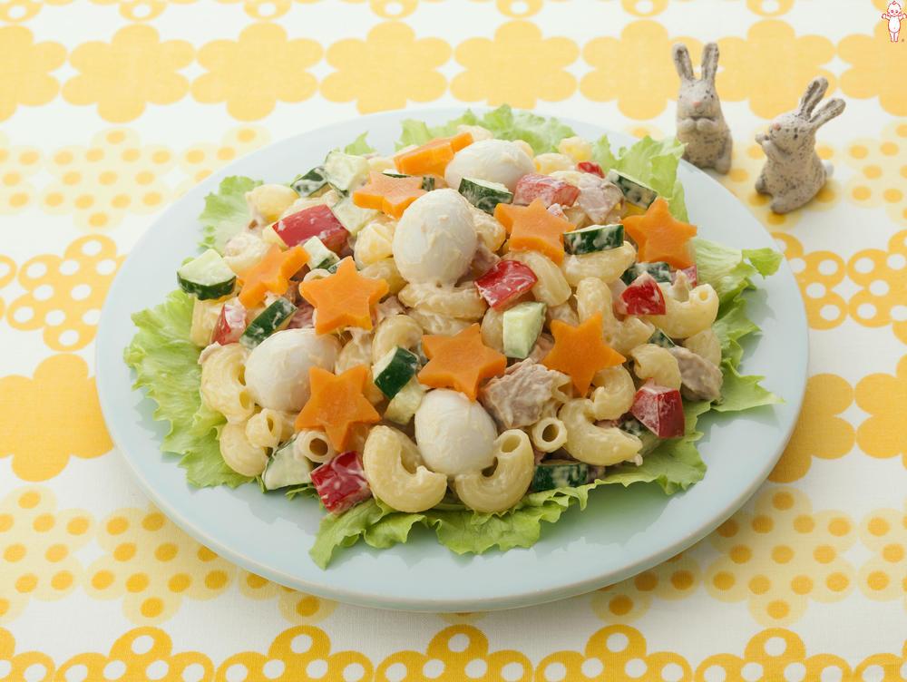 写真:イースターのエッグハントマカロニサラダ