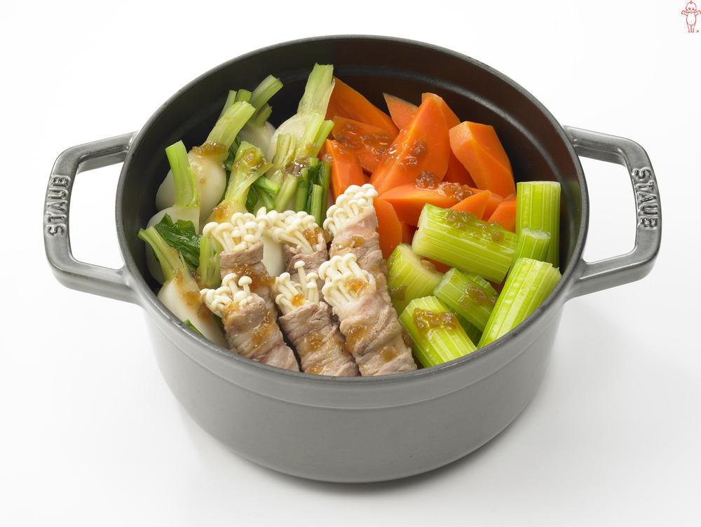 写真:にんじんとかぶの蒸しサラダ