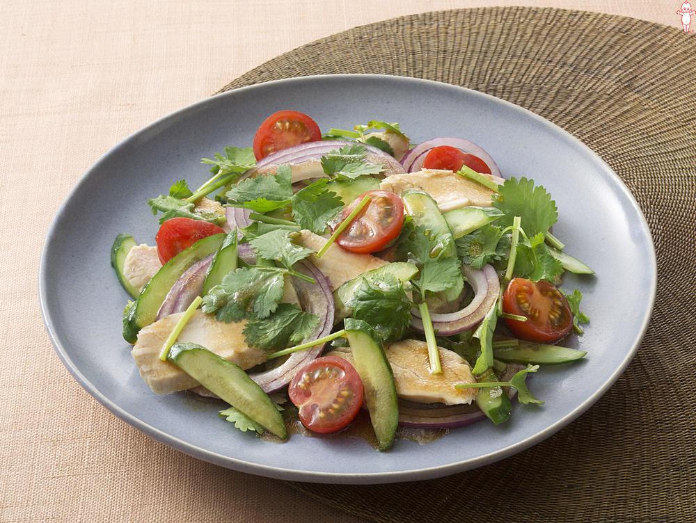 写真:鶏むね肉のアジアン風サラダ