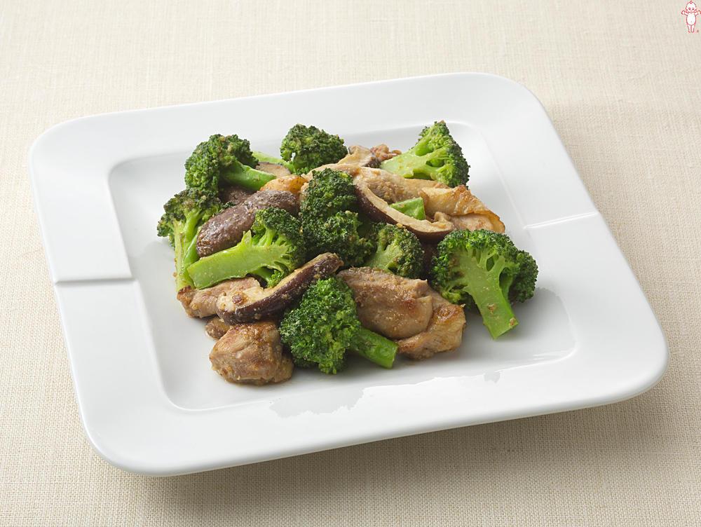 写真:ブロッコリーとしいたけのごまマヨネーズ炒め