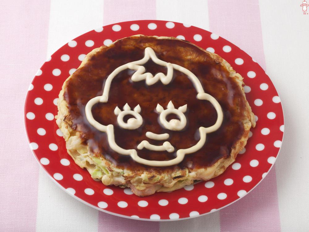 写真:マヨでお絵かきお好み焼き キユーピー