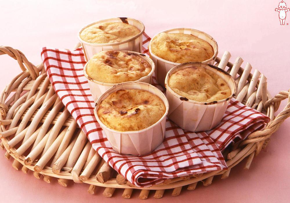 写真:リンゴのカップケーキ