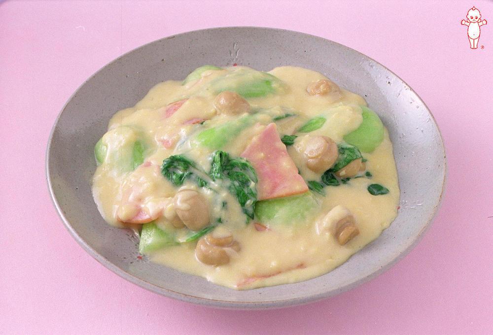 写真:チンゲン菜とハムのコーンクリーム煮