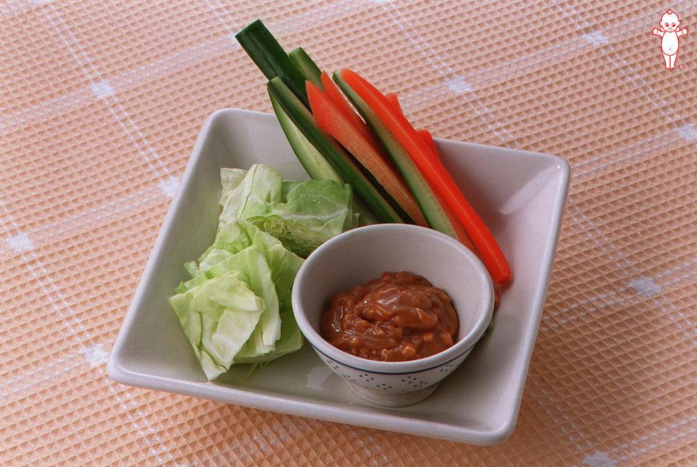 写真:生野菜のバリバリサラダ