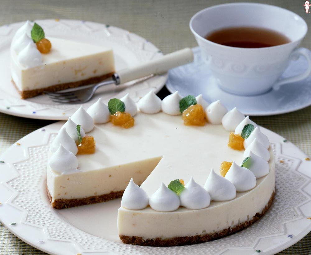 写真:アンズ風味のレアチーズケーキ