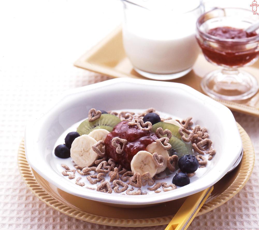 写真:イチジクのフルーツシリアルミルク