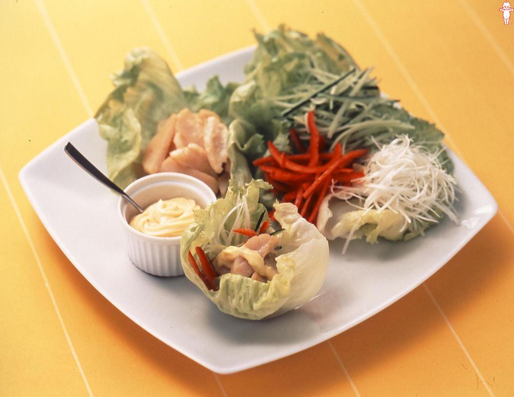 写真:焼きほたてと彩り野菜のレタス包み