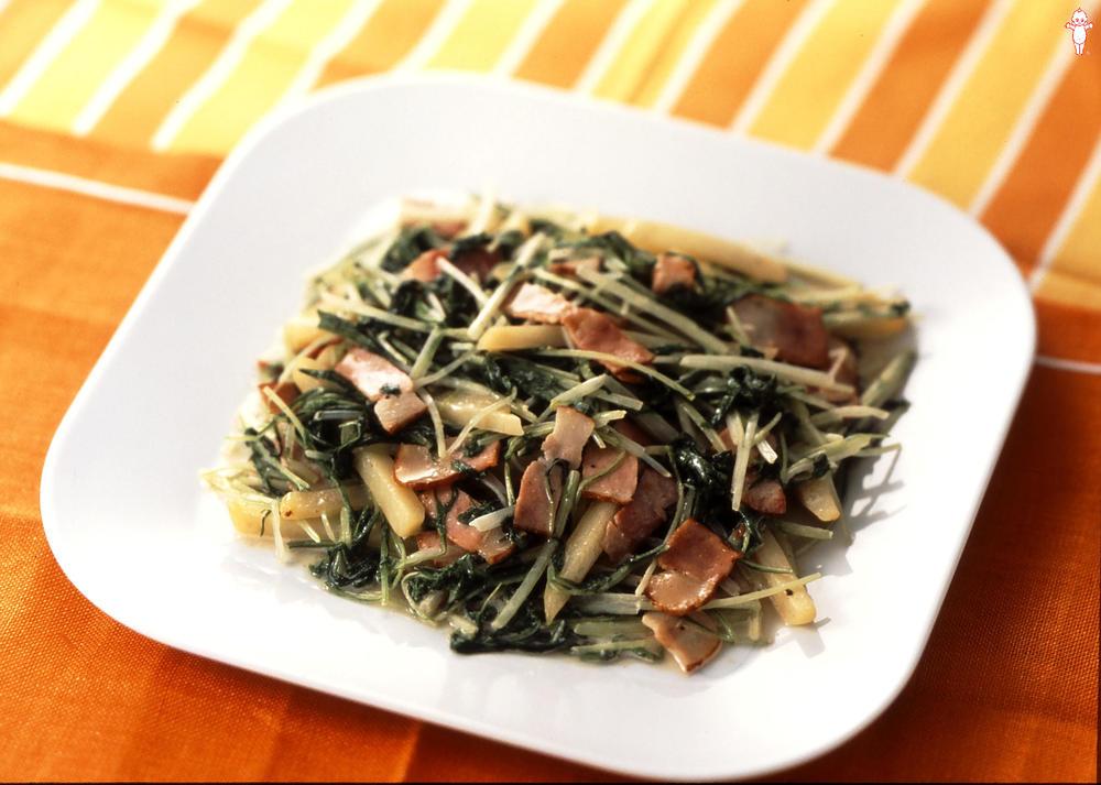写真:水菜とじゃがいものマヨネーズ炒め