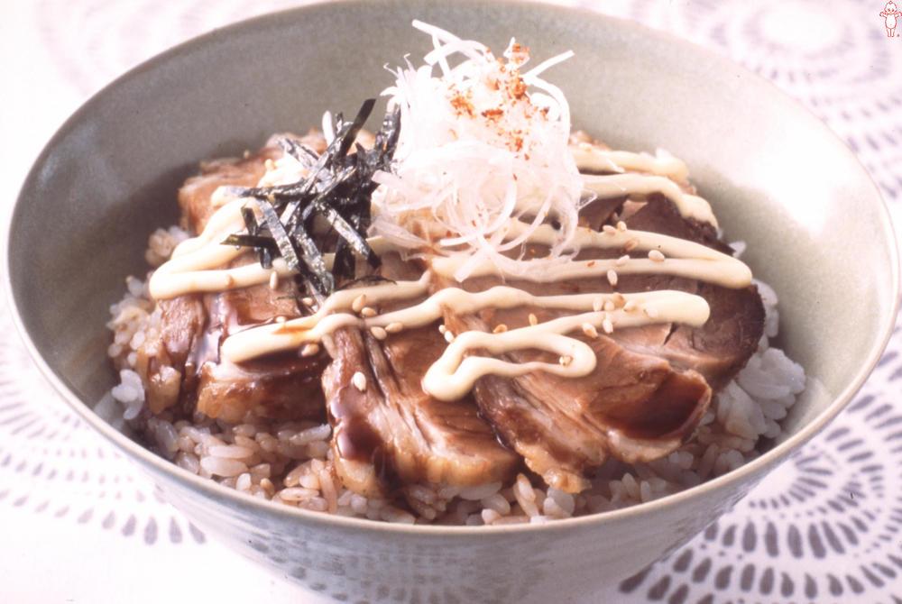 写真:マヨねぎチャーシュー丼