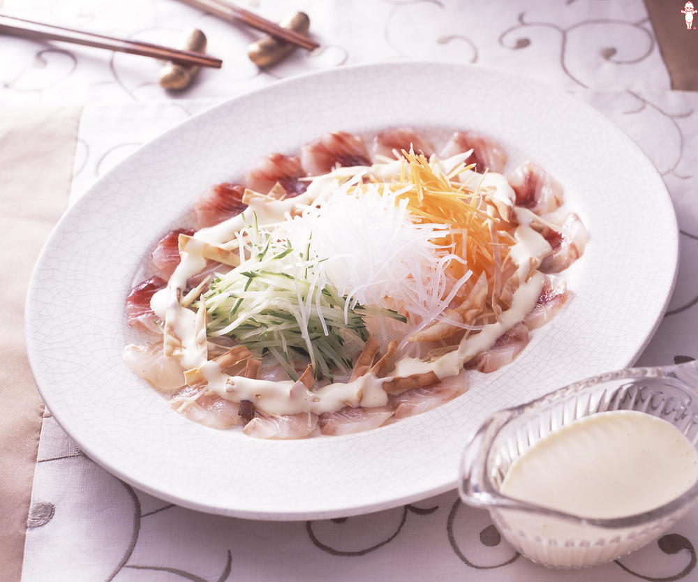 写真:白身魚のカルパッチョ 中華ソースがけ