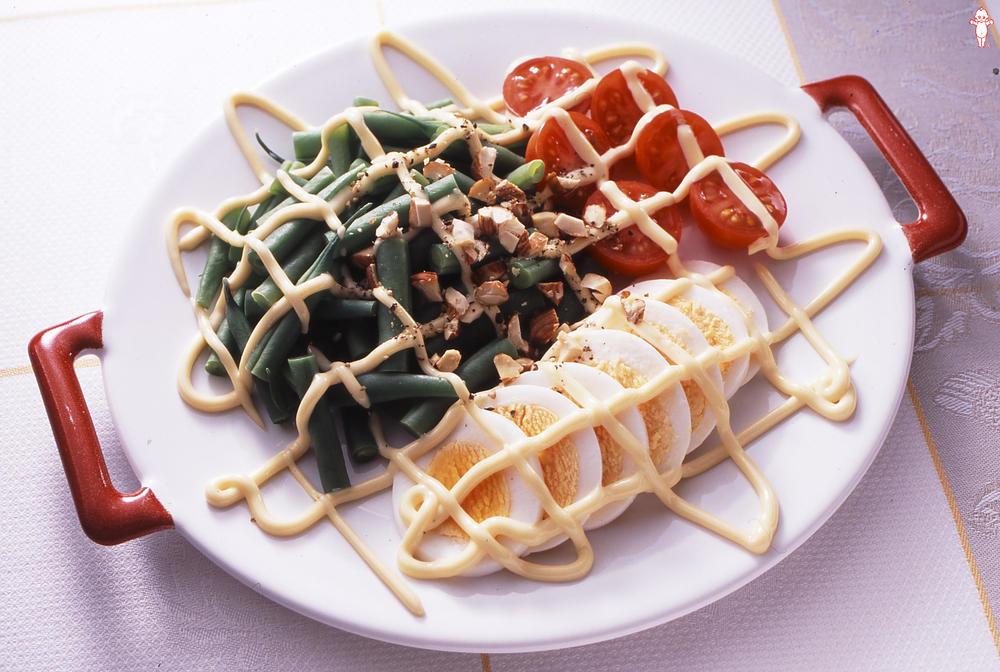 写真:いんげんと卵のマヨネーズサラダ