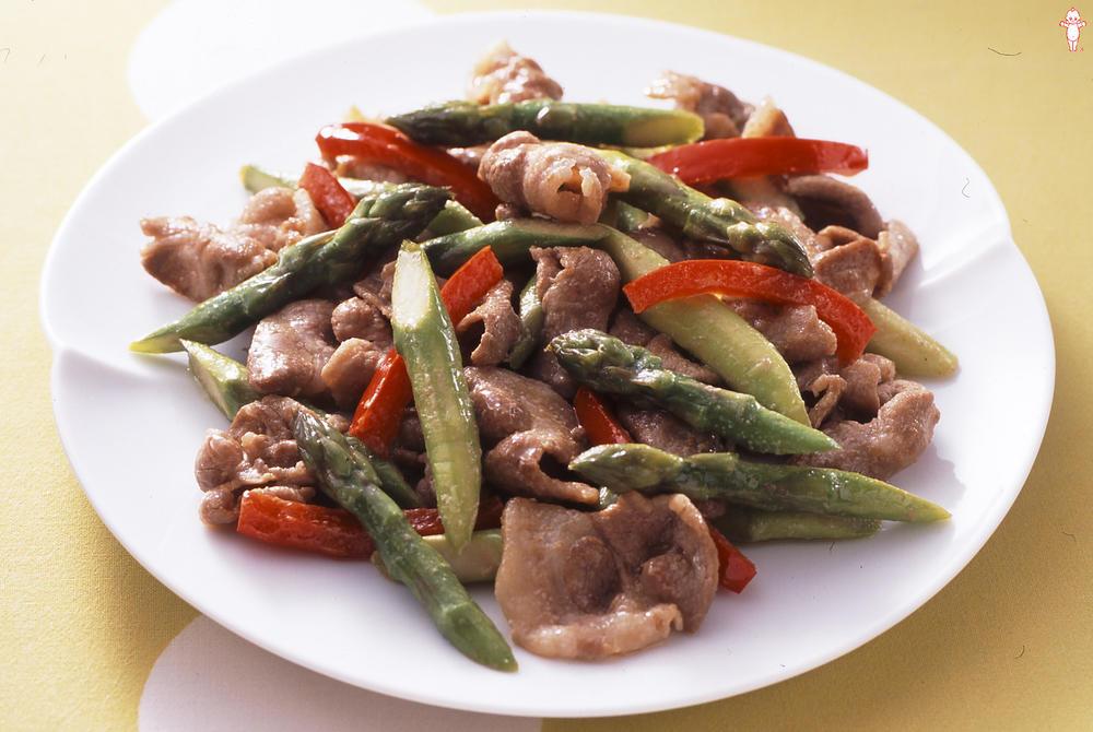 写真:アスパラガスと豚肉のマヨネーズ炒め