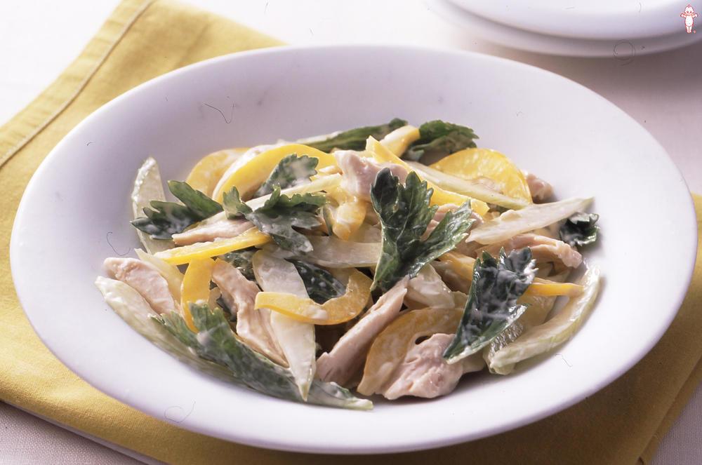 写真:セロリと鶏ささみのサラダ