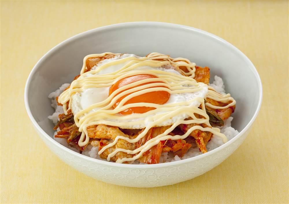 写真:豚キムチマヨ丼