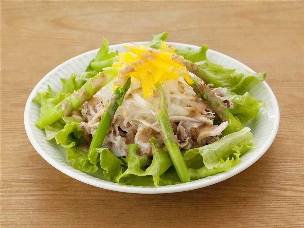 写真:玉ねぎと豚しゃぶのサラダ