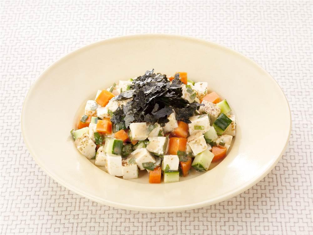 写真:きゅうりと豆腐の和風チョップドサラダ